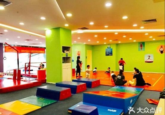 刘芷言:40岁零经验创业,选择小小运动馆