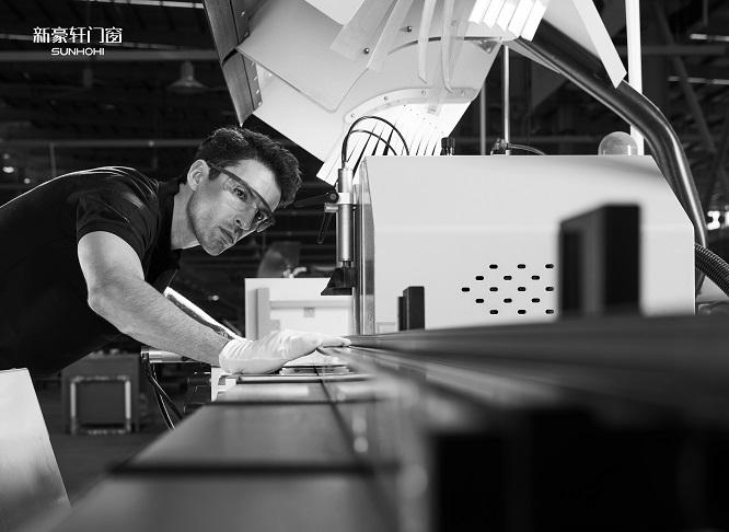 聚焦建博会丨千亿蓝海创富,新豪轩门窗与你驭见未来